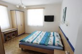 Apartments and rooms Opara
