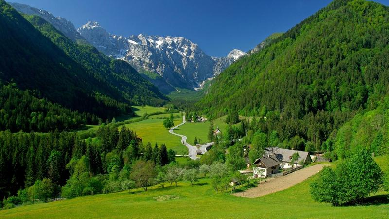 apartmaji nastanitev hoteli slovenija